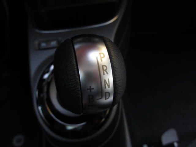Renault Twingo Z.E. R80 Intens / NAVIGATIE / PARKEERSENSOREN